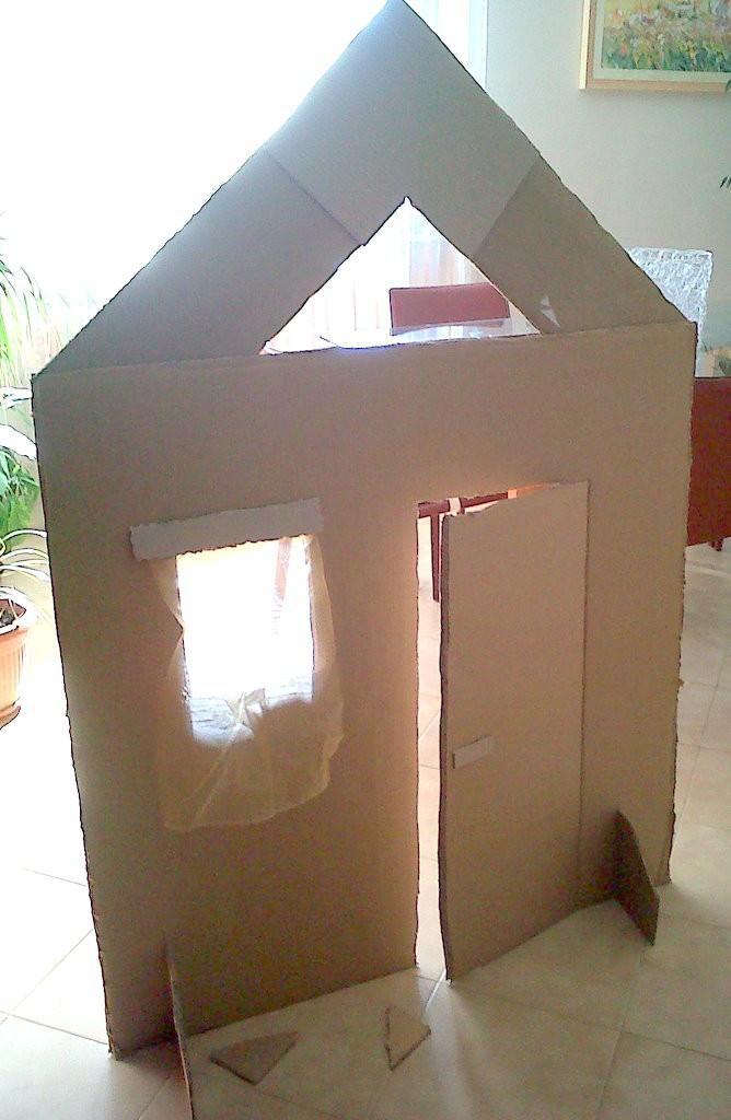 Una casa di cartone laboratorio di e con anne pagine e colori - Casa di cartone ...